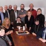 Jacques Girard entouré de quelques membres de l'APES lors du brunch annuel au restaurant Margot à Larouche soulignant le 20e anniversaire de l'APES.